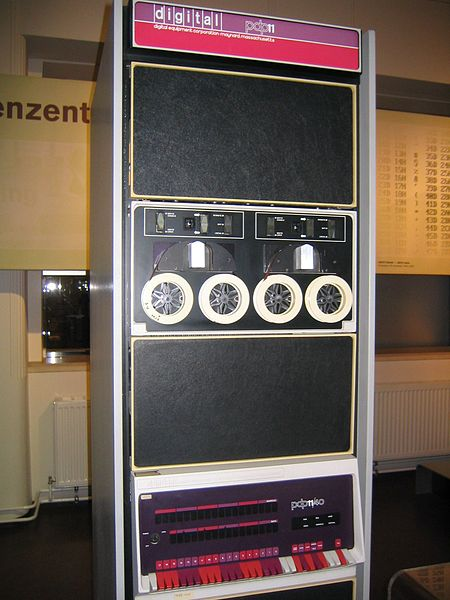A public domain photograph of the PDP-11/40 - original https://en.wikipedia.org/wiki/File:Pdp-11-40.jpg